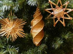 straw ornaments  one tutorial and a great book…