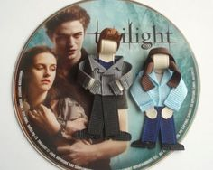 Twilight characters out of sculpted ribbon. FUNNY!!!