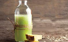 ¡Salud! Disfruta de un rico jugo de apio y piña natural para iniciar tu día con mucha energía. |Bebidas| Recetas Revista Cocina Vital