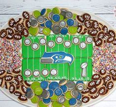 Love this football cookie platter! Cut Out Cookies, Cute Cookies, Cupcake Cookies, Cupcakes, Football Sugar Cookies, Iced Sugar Cookies, Cookie Frosting, Royal Icing Cookies, Cookie Designs