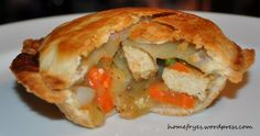 Mini Vegan Chick'n Pot Pies Breville Pie Maker, How To Make Pie, Mini Pies, Vegan Vegetarian, Paleo, Vegan Recipes, Pot Pies, Ethnic Recipes, Food