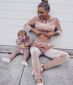 Mothershape sell the best mom and baby products of These range from postpartum belts to insulated diaper bags. Fashion Kids, Baby Girl Fashion, Mother Daughter Fashion, Mom Daughter, Mother And Baby, Mom And Baby, Mommy And Me Outfits, Girl Outfits, Foto Baby