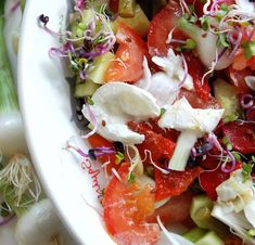Mix Salad with Asparagus,Tomatoes, Mozzarella… Spring Mix Salad, Simple Salads, Tomato Mozzarella, Asparagus Salad, Salad Ideas, Caprese Salad, Farms, Salad Recipes, Cucumber