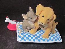 Charming Tails FRIENDSHIP GUIDES THE WAY SpecEvent 98/293 Mouse Golden Retriever