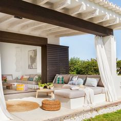 Spanish style house with pergola Outdoor Areas, Outdoor Rooms, Outdoor Living, Outdoor Decor, Outdoor Patios, Outdoor Kitchens, Porch And Terrace, Terrasse Design, Patio Design