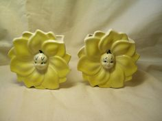 Yellow Sunflower Wall Pockets Vase Hanging Anthropomorphic Flowers Ceramic 1950 vintage.