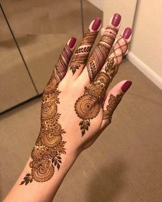 50 Most beautiful Indore Mehndi Design (Indore Henna Design) that you can apply on your Beautiful Hands and Body in daily life. Simple Mehndi Designs Fingers, Latest Henna Designs, Henna Tattoo Designs Simple, Rose Mehndi Designs, Finger Henna Designs, Back Hand Mehndi Designs, Mehndi Designs For Beginners, Mehndi Designs For Girls, Mehndi Design Photos