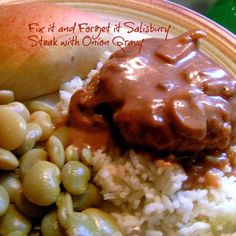 salisbury steak using slow cooker.Fix It and Forget It 'Salisbury Steak w/Onion Gravy'**I made this and it is utterly DELICIOUS~! I doubled this recipe due to it being so good~! Homemade Fried Chicken, Fried Chicken Recipes, Veggie Recipes, Dinner Recipes, Slow Cooker Recipes, Crockpot Recipes, Hamburger Steak And Gravy, Onion Gravy