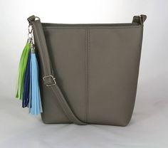 kabelka Sandra šedá - farebné strapce