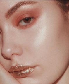Pinterest | ainsli_e Makeup Goals, Makeup Inspo, Makeup Tips, Makeup Art, Hair Makeup, Eye Makeup, Glitter Heels, Glitter Makeup, Beauty Make Up