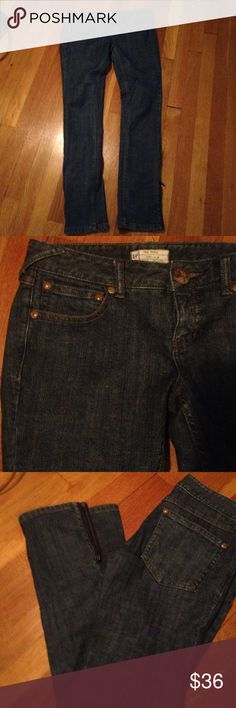 Free People Skinny Jeans Cute skinnies with ankle zips. Your go to jean. Free People Jeans Skinny