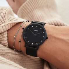 The CLUSE Pavane Black Stones features an ultrathin 8 mm black case and a black stainless steel mesh strap. Trendy Watches, Cool Watches, Watches For Men, All Black Watches, Army Watches, Seiko Watches, Cluse, Accesorios Casual, Beautiful Watches