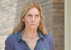 Elizabeth Mitchell Dishes on Revolution's Nexed Necking, Reuniting with 'Terrifying' Lost Hubby