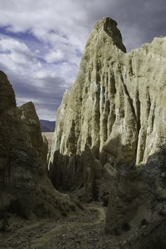 Que voir autour d'Omarama ? Les Falaises de Clay Cliffs, randonnée au lac de Benmore, détente aux hot tubs et route scénique - Ile du Sud - Nouvelle-Zélande