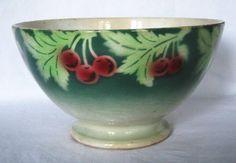 Bol ancien Boulenger Choisy le Roi décor de cerises et feuillage - Cliquer pour agrandir