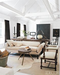 Darryl Carter's black and white decor featured in his Virginia farmhouse, as seen in Elle Decor and Benjamin Moore's current ad campaign. Living Room Designs, Living Room Decor, Living Spaces, Living Rooms, Family Rooms, Living Area, Elle Decor, Driven By Decor, Muebles Living