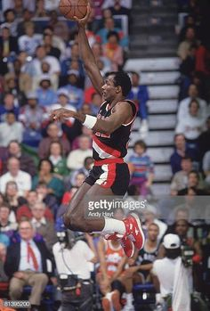 Nba Slam Dunk Contest, National Basketball League, Clyde Drexler, Basketball Association, Basketball Leagues, Portland Trailblazers, Sport Icon, Nba Players, Aba