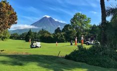 Kawasan Cangkringan menawarkan tempat recomended buat Anda yang hobby Golf, yaitu Merapi Golf Club. Selain udaranya yang sejuk, dari sini kita bisa melihat