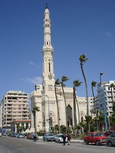 Al Qa'ed Ibrahim Mosque, Alexandria, Egypt Egypt Tourism, Egypt Travel, Life In Egypt, High Building, Alexandria Egypt, Visit Egypt, Beautiful Mosques, Place Of Worship, Horse Pictures