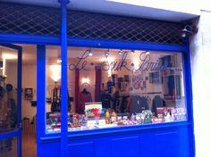 BOUTIQUE - PARIS 11e  Le Souk Parisien : un concept store version caverne d'Alibaba trendy. C'est au 3, passage de la bonne Graine