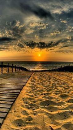 Beautiful Sunset, Beautiful Beaches, Beautiful World, Beautiful Scenery, Simply Beautiful, Absolutely Gorgeous, Jolie Photo, Pretty Pictures, Nice Photos