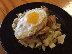 Sooo good.. Pulled Chicken Hash w/ crispy yucca pickled onions jalepeño mayo & fried egg. @boca31.denton today for 8$. #boca31 #chefandresmeraz #dentonslacker #dealoftheday #lunchspecial #denton #dentontexas #dentontx #dentoning #wedentondoit #wddi #unt #twu #dentonite #doingitdenton #dentonproud #yodenton #discoverdenton