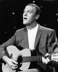 Country music List of Billboard number-one country songs of 1948 - Wikipedia - Entertainment Classic Country Artists, Classic Singers, Country Music Artists, Country Music Stars, Country Songs, Bro Country, Musica Country, Mountain Music, Grand Ole Opry
