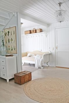 home decor - light and airy with white and neutrals.
