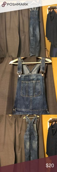 Overalls Love these overalls! They were just to snug for me but so cute! Beautiful wash and denim. Flattering sexy fit through torso not loose. American Bazi Jeans Overalls
