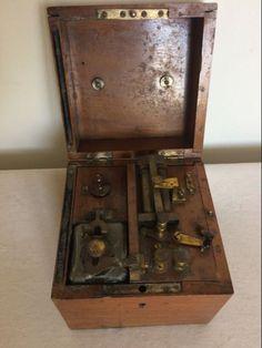 Medisch electriciteitkastje van Charles Glitscka Gand. Begin 20e eeuw. - Catawiki