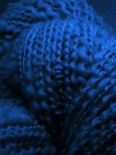 Blue | Blau | Bleu | Azul | Blå | Azul | 蓝色 | Indigo | Color | Form | Texture | Alpaca Yarn Royal Blue