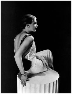 Lee Miller in Jeanne Lanvin, photographed by George Hoyningen-Huene, 1937 Lee Miller, Sienna Miller, Jeanne Lanvin, Man Ray, Sarah Moon, Paolo Roversi, Peter Lindbergh, Elsa Schiaparelli, Vintage Photography