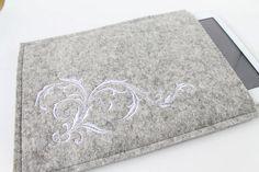 Ipad, Samsung Tablet Schutzhülle für  für 9,7 - 10,1 zol, bestickt, Wollfilz, Filz mit Motivstickerei von Schrejderiha auf Etsy