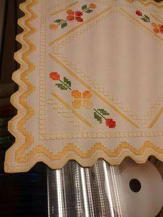 trabalho de Manue Barrero Hardanger Embroidery, Learn Embroidery, Embroidery For Beginners, Embroidery Techniques, Ribbon Embroidery, Embroidery Stitches, Embroidery Designs, Bargello, Japanese Patterns