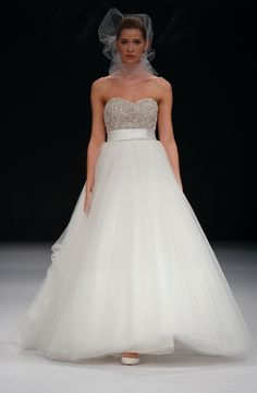 Badgley Mischka  - Sweetheart Ball Gown in Organza