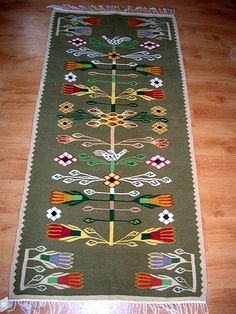 Discount Carpet Runners For Hall Traditional Interior, Traditional Rugs, Traditional Design, Contemporary Decorative Art, Native American Decor, Hallway Carpet Runners, Natural Rug, Tole Painting, Folklore