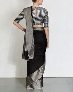 linen saree with silver zari border and silver colour striped blouse Sari Blouse Designs, Saree Blouse Patterns, Black Blouse Designs, Saree Styles, Blouse Styles, Saree Jackets, Indian Blouse, Indian Sarees, Vestidos