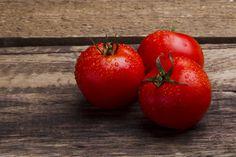 7 terveellistä ruokaa, jotka ovat liiallisesti syötyinä vaarallisia Deli, Vegetables, Food, Essen, Vegetable Recipes, Meals, Yemek, Veggies, Eten