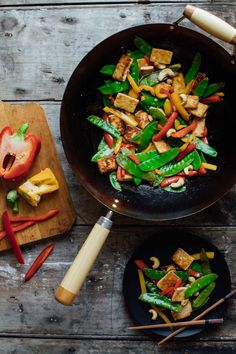 This Tofu and Pepper Stir-fry with Cashews meets all my requirements for an awesome weeknight dinner. It's quick, easy, veggie-packed and super kid-friendly. | Healthy Seasonal Recipes | Katie Webster