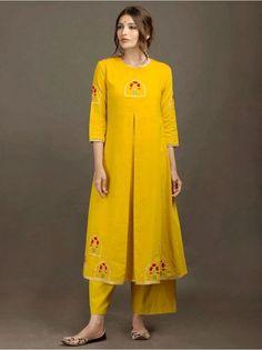 yellow kurti with embroidery Kurta Designs Women, Salwar Designs, Blouse Designs, Dress Designs, Pakistani Dresses, Indian Dresses, Indian Outfits, Anarkali Dress, Indian Attire