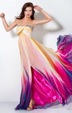 Платье от 4mode можно сшить под ваш размер, используя любые цвета и материалы! Есть огромная коллекция готовых дизайнов, интересно? Пишите!:) watsapp 8-915-060-27-97