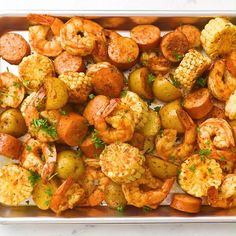 Easy shrimp boil with Old Bay, Cajun seasoning and butter. The best shrimp boil recipe with shrimp, baby potatoes, corn and smoked sausage. So delicious! Sausage And Shrimp Recipes, Smoked Sausage Recipes, Seafood Boil Recipes, Shrimp Recipes For Dinner, Fall Dinner Recipes, Shrimp Recipes Easy, Chicken Parmesan Recipes, Seafood Dinner, Healthy Dinner Recipes