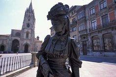 Escultura de la Regenta, Oviedo, Asturias.