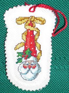 CROSS STITCHChristmas ornament