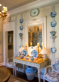 The Enchanted Home: Are you a member of the blue and white club? And a blue and white contest! J Wilson Fuqua Blue And White China, Blue China, Blue Rooms, White Rooms, Enchanted Home, Chinoiserie Chic, White Houses, White Decor, Beautiful Interiors