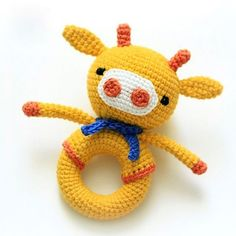 This eye-catching crochet giraffe rattle is a great sensory toy for baby and oh so pretty to look at! Create it with all your love and care for your little one with the help of our step-by-step Giraffe Baby Rattle Crochet Pattern. Crochet Baby Toys, Crochet Bunny, Crochet Patterns Amigurumi, Cute Crochet, Crochet For Kids, Amigurumi Doll, Crochet Animals, Crochet Dolls, Crochet Mignon
