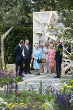 Queen Elizabeth II Photos - Queen Elizabeth II visits The Times Eureka Garden at the Chelsea Flower Show Press and VIP Day on May 23, 2011 in London, England. - Chelsea Flower Show - London, England