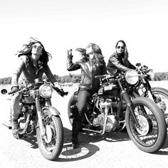 The lovely ladies of the Bike Barn Riding Club in New England Check out www.bikebarnrc.com if you're in the area. Photo by @jacobs_treasurebox. #wcw #croig #caferacer #caferacersofinstagram #Padgram