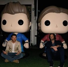 "I love that Jensen is like ""Bring it on, jumbo me and I can totally take you"", while Jared is like ""I get a giant hug from giant me, YAYYY!"""