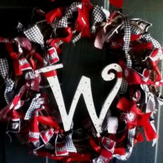 Alabama Football Wreath...this is for Amanda...  It would be gorgeous if it were orange and blue!